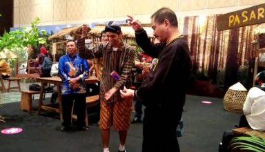 Menpar Aief Yahya bersama Jugaran Pasar Kakilangit bermain Yoyo