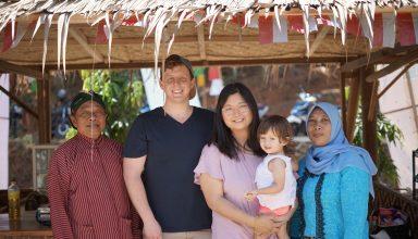 Nick dan Keluarga di Pasar Kakilangit
