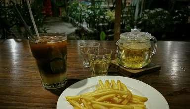 Siang Malam Ngopi di Awan Mbengi Coffee & Sisha Stall