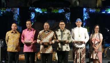 Menpar Arief Yahya Luncurkan Grab Andong di Malioboro Night Festival 2019