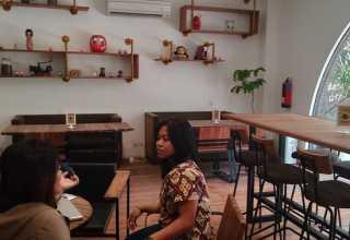 Maison Daruma: Eksklusif di Siang Hari, Romantis di Malam Hari