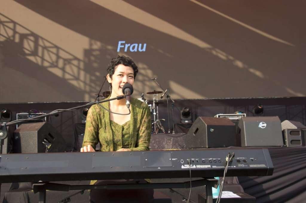 Frau Menenun Rindu di Balkonjazz Festival 2019