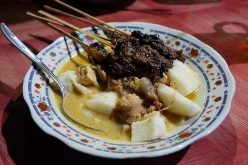 Sate Kere Mbah Mardi, Kuliner Legendaris Yang Ga Bikin Kantong Kere