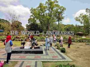 Menikmati Nuansa Mancanegara di Merapi Park