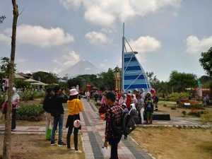 Menikmati Nuansa Mancanegara di Merapi Park_ii