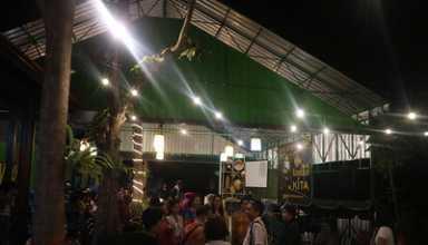 Menikmati Papeda Papua dan Bir Pletok Jakarta Di Warung Kebun Bambu Yogyakarta (WKBay)