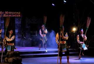 Raminten Kaliurang, One Stop Shopping Yang Kental Budaya