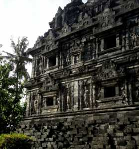 Candi Sari, Asrama Para Biksu Buddha Mataram Kuna