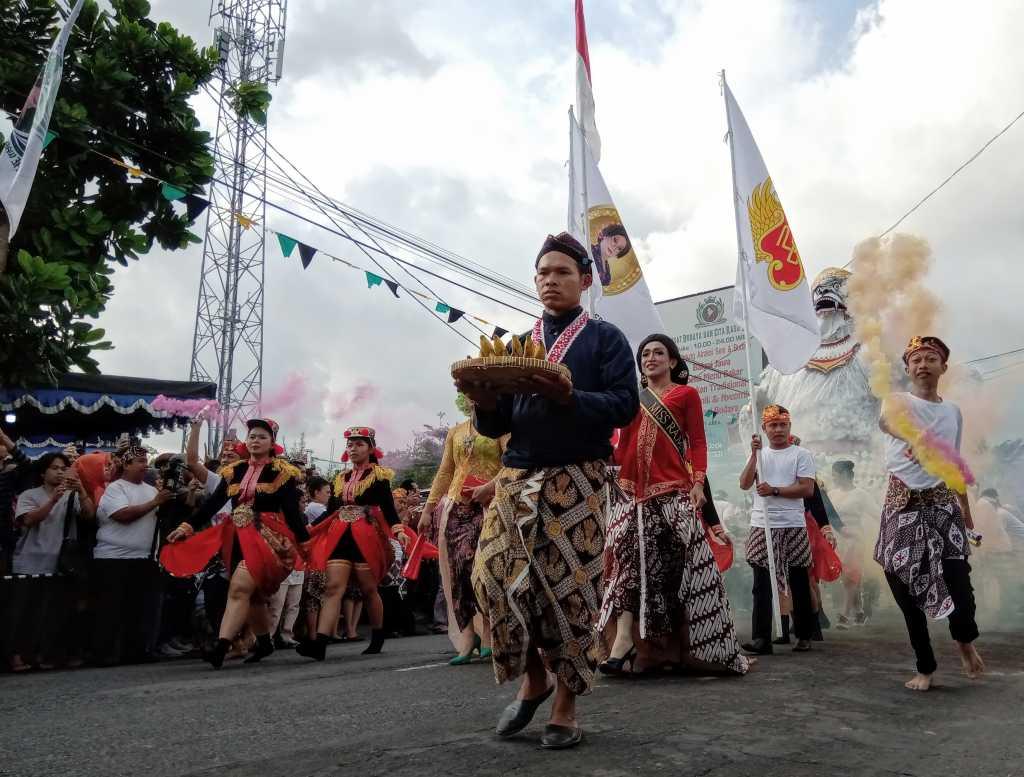 Launching Ketoprak Hanoman, Raminten Kaliurang Gelar Pawai Ogoh-Ogoh
