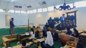 Pameran Sekaten Kraton Jogja Edukasi Masyarakat Melalui Pelatihan Gamelan