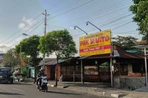 Cicipi Sarapan Legendaris di Warung Soto Pak Marto