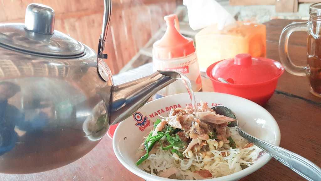 Soto Tubruk Pak Doyok, Kuliner Kulon Progo Yang Wajib Kalian Coba!