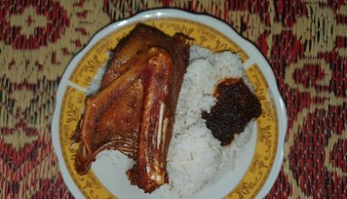 Nasi Bebek Sambal Hitam Tak Perlu ke Madura, Cukup ke Godean Saja